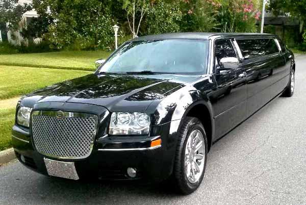Chrysler 300 limo Carney