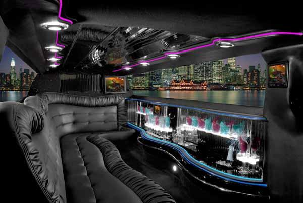 Chrysler 300 limo interior Randalls town