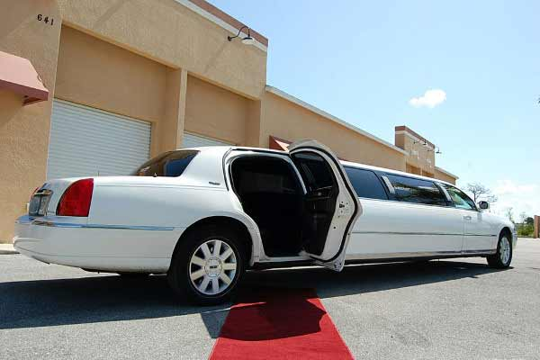 lincoln stretch limousine Edgemere